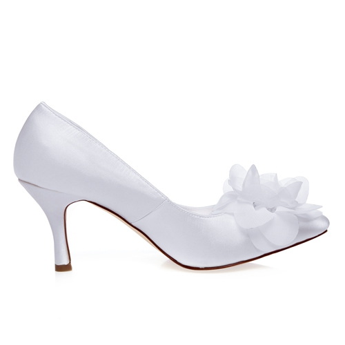 WR-A31-13B Ivory Color Elegant Style Pointy Shoe Toe Pump Women Wedding Bridal Shoes